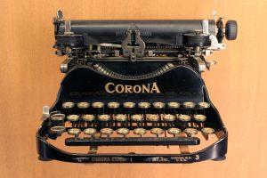 1280px Musée des arts et métiers Corona typewriter